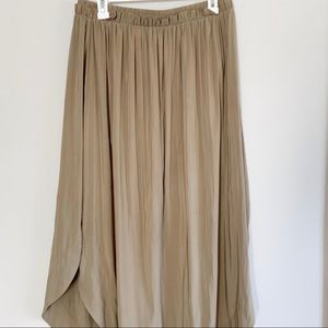 Brown pleated maxi skirt with slits from H&M